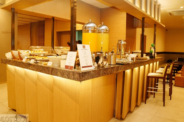 plaza premium lounge cebu-9